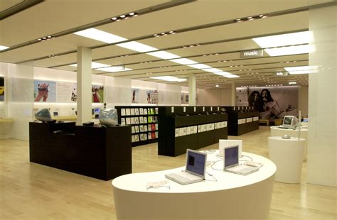 3 Apple Store today marks ten years of apple retail stores macstories