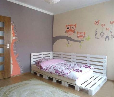 pallet bedroom furniture wood pallet bed for a teenage girl bedroom поддоны