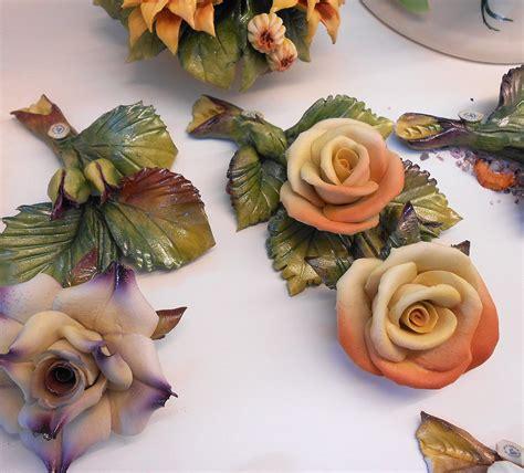 fiore di porcellana bomboniere originali tralci con fiori in porcellana