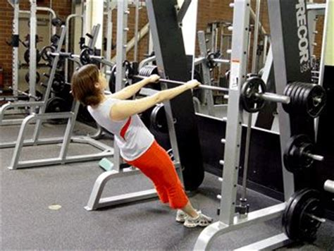 assisted bench press bar weight 17 best ideas about smith machine workout on pinterest