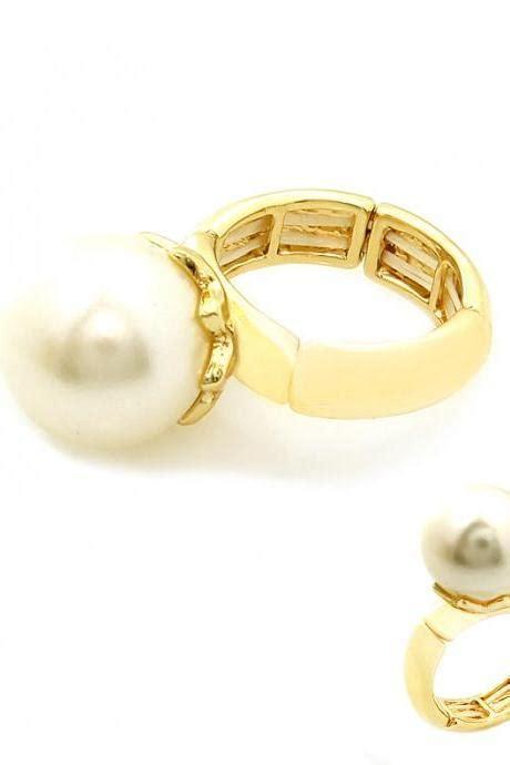 14k Gold Cz Trumpet Stud Earrings miniature guitar trumpet instrument stud earrings in