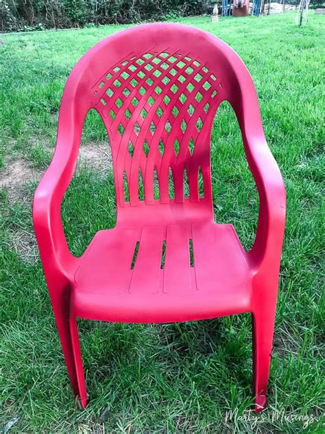 Paint Plastic Chairs by How To Spray Paint Plastic Chairs An Easy Makeover