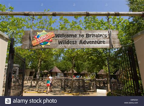 chessington world of adventures begin consultations on entrance to chessington world of adventures stock photo