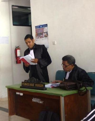 fußbank alat bukti tak pernah ditunjukkan di persidangan pengacara