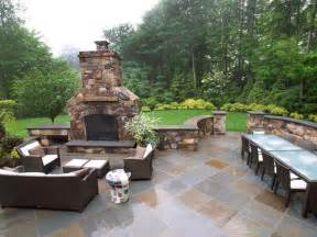 Backyard Patios With Fireplaces » Simple Home Design