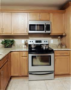 Oak Kitchen Cabinets by Pre Finished Shaker Style Oak Kitchen Cabinets We Ship