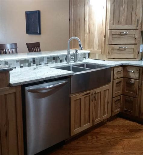 kitchen cabinets des moines custom kitchen cabinets in des moines and central iowa