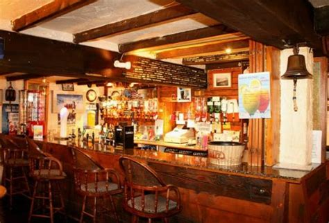 banco pub dobbin s pub torre pedrera hamburger pizza e piadine