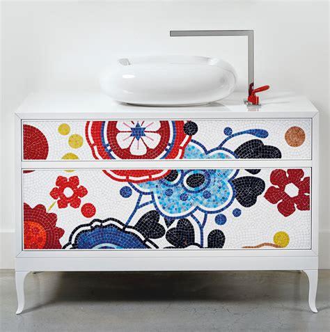 canapé arrondie la commode vasque quand la salle de bains fait salon