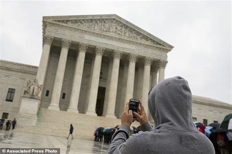 What Must A Search Warrant Contain Supreme Court Need A Warrant To Search Cellphones Daily Mail