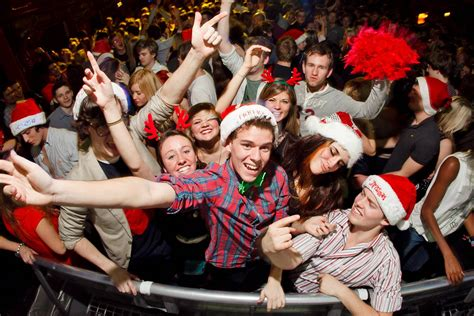 top  christmas party  games ideas    love