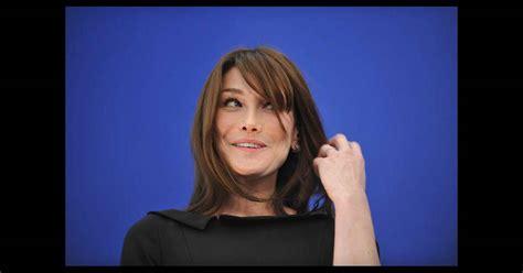 When The Of Met The Carla Bruni Is Demure In by Carla Bruni Met En Col 232 Re Les Journalistes