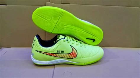 Sepatu Bola Anak Nike Original football shoes and clothing new balance uk autos post