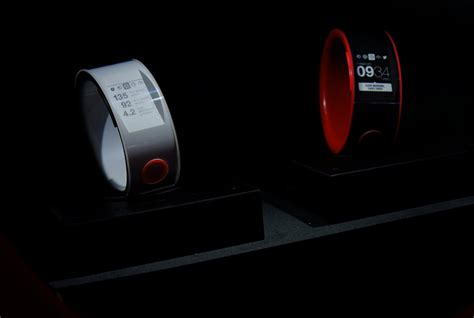 Nismo Smartwatch nismo smartwatch concept by nissan connects to your car