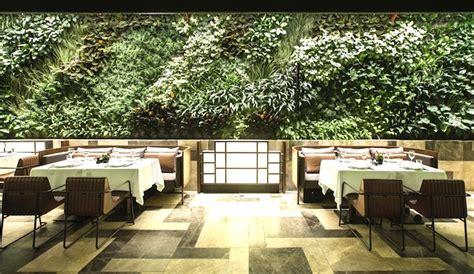 wall design for restaurant