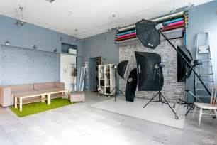 taking pictures in a vibrant photo studio kiev http