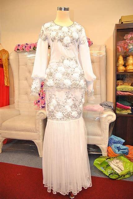 Gaun Modern Dress Mewah Baju Pesta Ultah Nikah Natal Real Pict 15 baju nikah butik marlina by syokkahwin via flickr dresses fashion photos