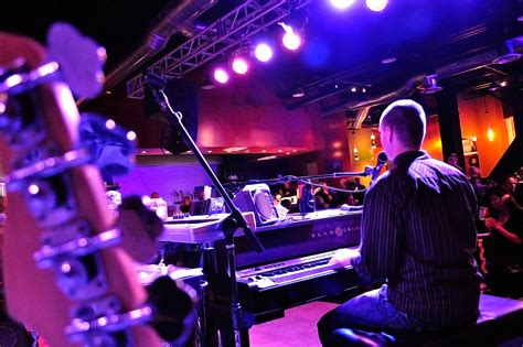 Top 10 Piano Bar Songs by Piano Bar Ronnie Shelton