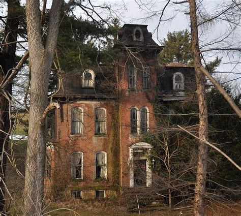 houses in pennsylvania incredible abandoned house in pennsylvania built in 1870 it s sat empty for decades