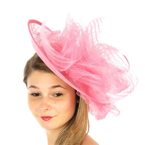 saucer fascinator with whirling net feather detail