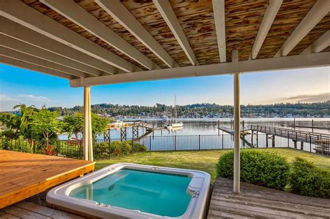 Cottage Rentals With Tub by Tub With View Harbor Home Vacation Rentals