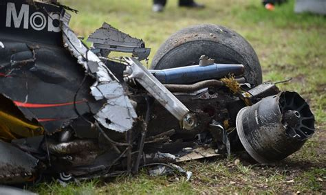 mclaren f1 wreck f1 driver fernando alonso somehow walked away unscathed