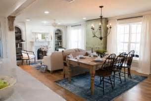 magnolia homes paint colors photos hgtv 39 s fixer upper with chip and joanna gaines dining room magnolia furniturejoanna