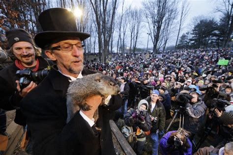 groundhog day pa s i chuck doesn t see shadow punxsutawney phil does ny