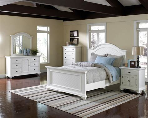 White Glass Bedroom Furniture by White Glass Bedroom Furniture Photos And
