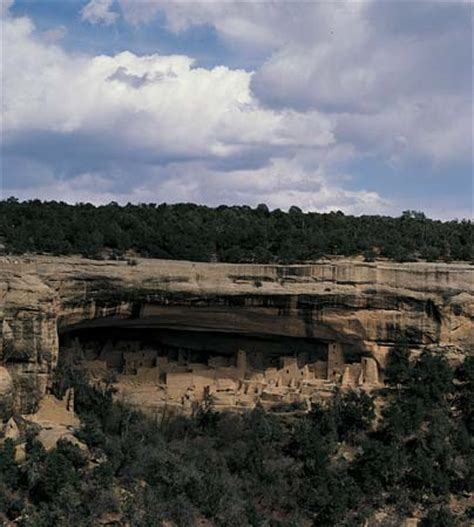 the cliff dwellers of the mesa verde southwestern colorado their pottery and implements classic reprint books mesa verde national park cliff dwellings