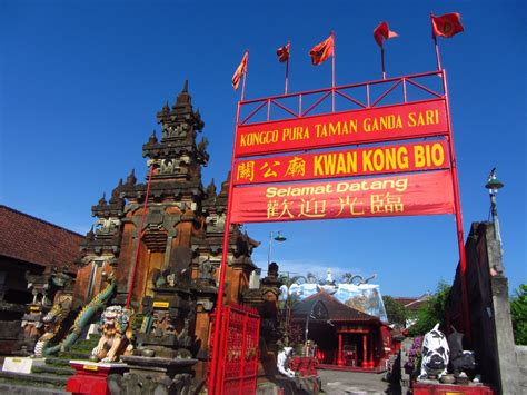 Bio Di Bali let s go around the world klenteng di bali