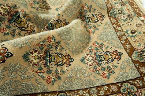 tappeti isfahan tappeto persiano in seta isfahan piccolo tabriz tappeti roma