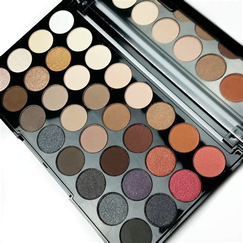 2 Eyeshadow Pallete makeup revolution flawless 2 ultra 32 eyeshadow palette