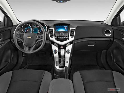 Cruze 2015 Interior by 2015 Chevrolet Cruze 4dr Sdn Ls Specs And Features U