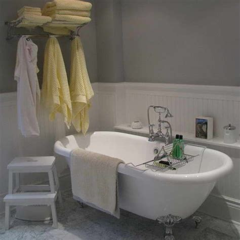 white wainscoting bathroom 1000 images about white wainscoting bathroom on pinterest santa cruz classic
