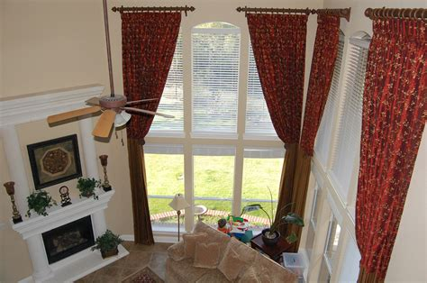 Curtains Hung Inside Window Frame How To Hang Curtains In Bay Window Furniture Glugu
