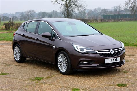 opel astra wagon vauxhall astra hatchback review parkers