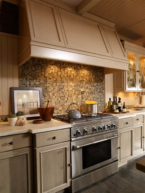 kitchens with backsplash beautiful kitchen backsplashes traditional home