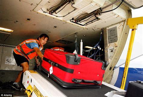 delta domestic baggage delta airlines guarantees passengers a 20 minute