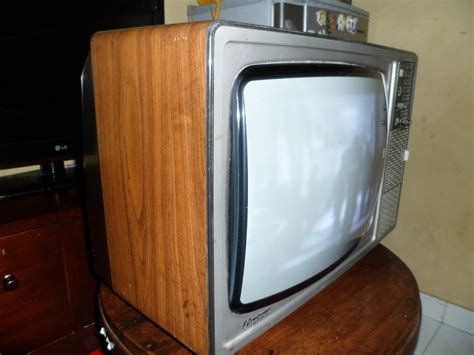 Tv Sharp Warna Putih antique sanse dan tv warna jadul sharp televisi warna solid state 17 sold out