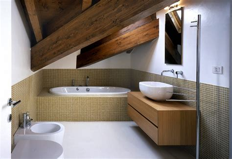 altezza minima bagno ristrutturare il bagno nel sottotetto come fare