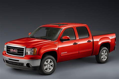 gmc truck recalls gm recalls 2 million trucks suvs for takata airbag defect