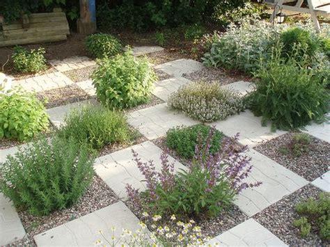garden paving stones ideas 25 best ideas about paving stones on