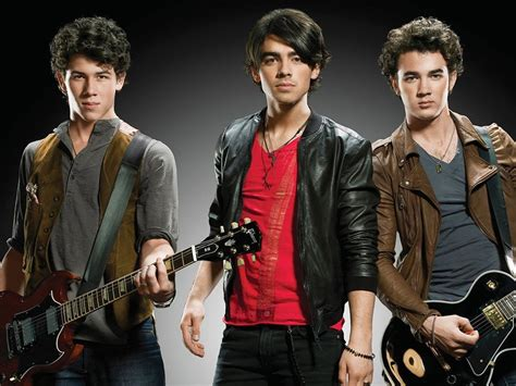 7 Reasons To The Jonas Brothers why the jonas brothers are the ultimate thirst traps