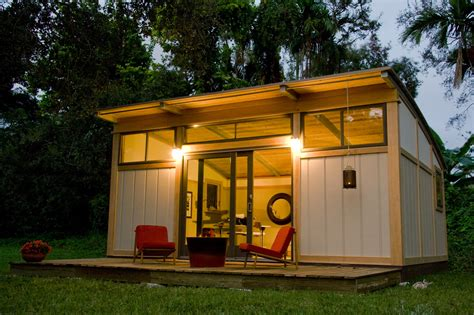 micro house small houses the benefits to a downsize buildipedia