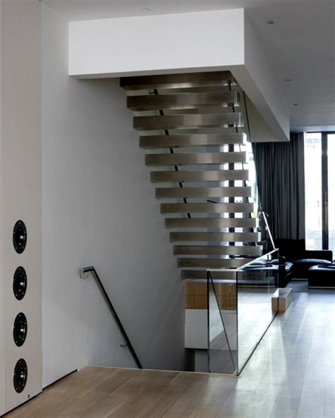 Outer Staircase Design The Modern Steel Staircase Inside And Outside In The Amazing Design Interior Design Ideas