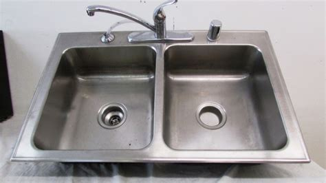 2 compartment sink w moen faucet sprayer