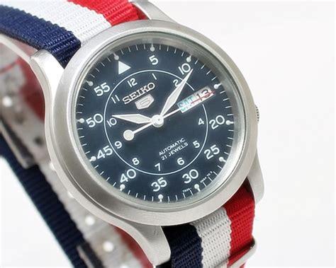 Seiko 5 Cal 7s26 seiko 5 snk809 cal 7s26 automatic day date s wrist