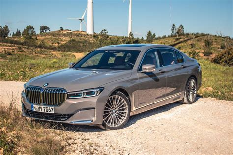 bmw  series  drive review travel comfortably
