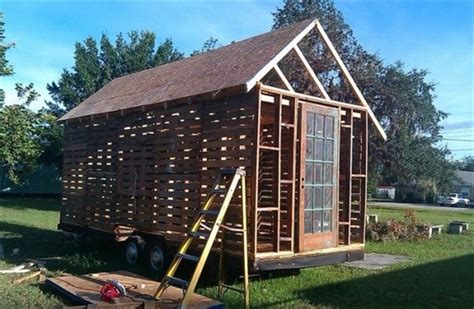 How To Build A Wood Shed From Pallets by Diy Wooden Pallet Shed Projects Pallet Wood Projects